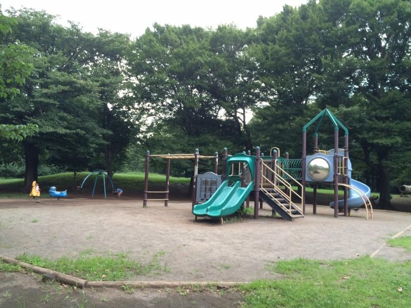 野川公園の子ども向け遊具エリア