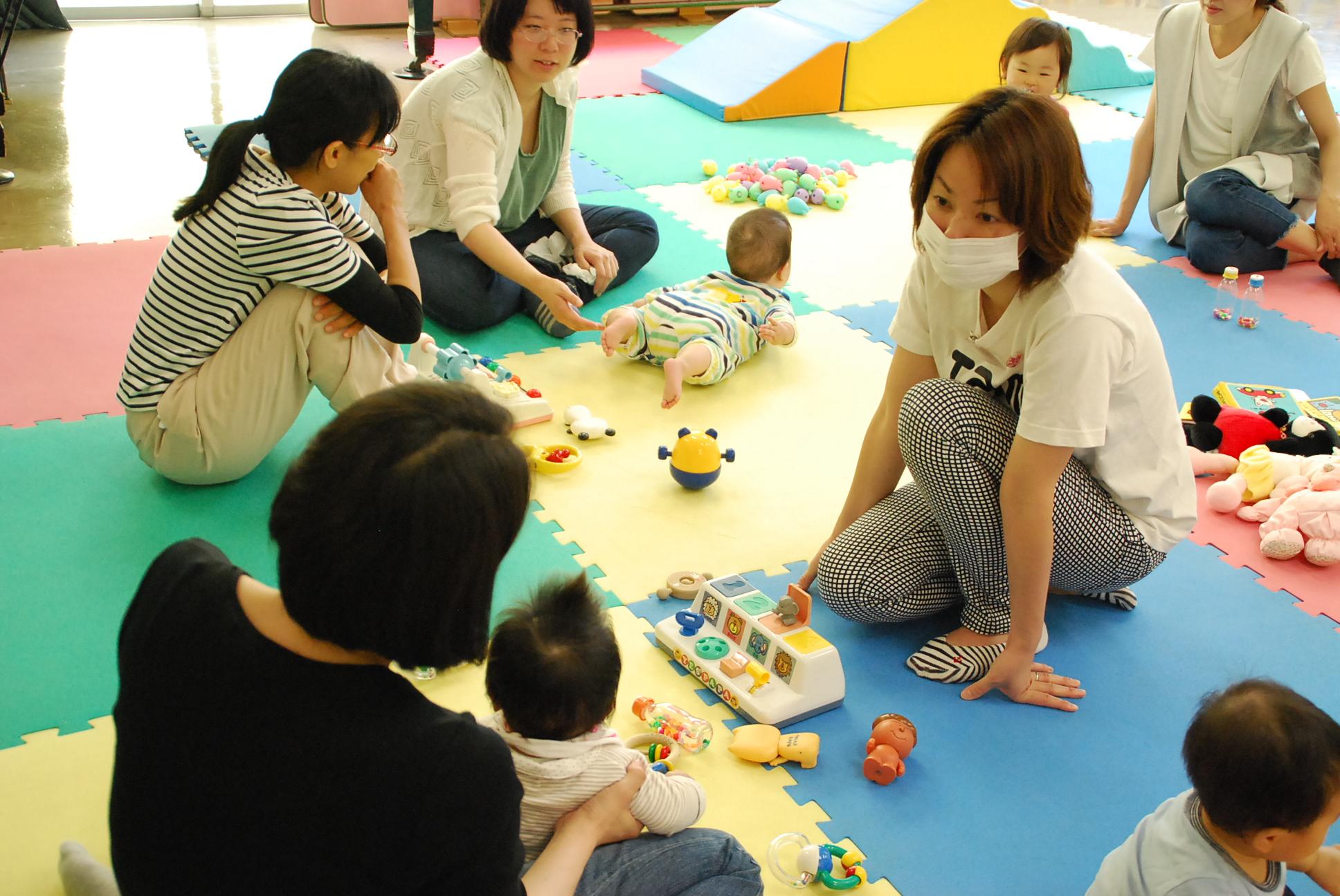月に1回、助産師がアドバイス 児童館「子育てひろば」