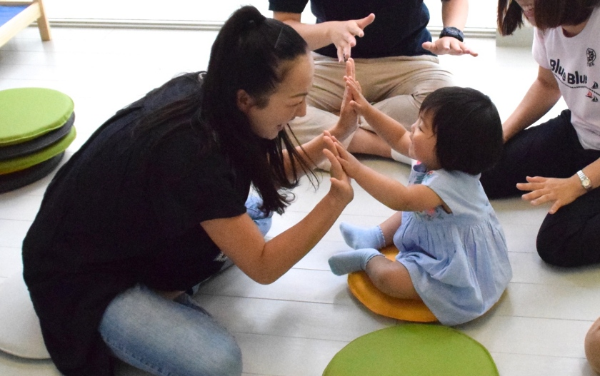 自然に学ぶ英語 LINDA(2歳児)クラスレポート