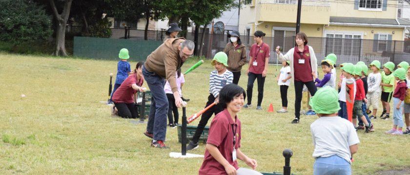 「調布リトルリーグ」のコーチ陣による野球体験